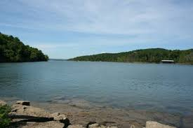 cing at table rock lake in branson mo vacation homes rentals in branson ideal for large groups or family