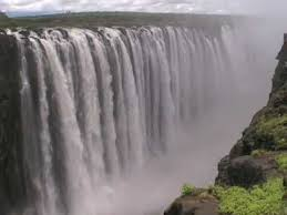 famous waterfalls in the world where is the biggest waterfall in the world best waterfall 2017