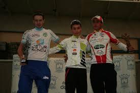 Manuel y Javier Andrade, campeón y subcampeón de sus categorías ... - 151111-ANDRADE-JR-PODIUM