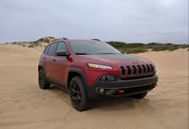 jeep cherokee 2016 price storming the beach with the 2016 jeep cherokee trailhawk the