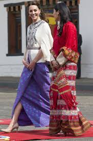 kate middleton u0027s dresses traditionally to meet the queen of bhutan