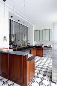 cuisine appartement parisien une déco féminine pour un appartement parisien appartements