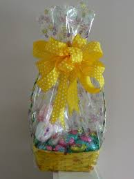 how to make gift baskets easter gift basket ideas lots of easter basket ideas to make