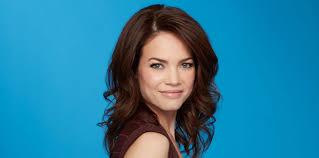 elizabeth from gh new haircut icymi rebecca herbst 20th anniversary interview soap opera digest