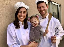 family costumes 30 adorable family costume ideas purewow