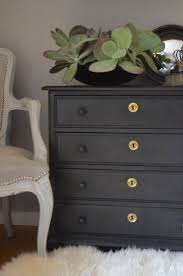 can chalk paint be used without sanding chalk paint vs milk paint what s the difference