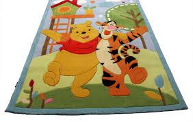 deco winnie l ourson pour chambre tapis winnie pas cher sur lareduc nouvelles idées chambre bebe