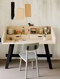 petit bureau pour enfant un petit bureau pour enfant en bois à l inspiration nordique home