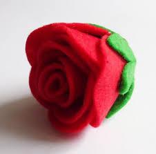 como hacer mascaras en forma de rosa aprende a elaborar rosas de fieltro paso a paso rosas de fieltro