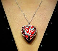 glow in the necklaces glowing heart necklace glowing jewelry glowing pendant