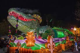 mardi gras alligator universal orlando mardi gras parade alligator float getting sted