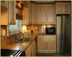 kitchen backsplash with oak cabinets kitchen tile backsplash ideas with oak cabinets home design ideas