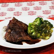 lamb loin chops sous vide with red wine sauce and garlicky