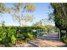 adam style house maroon 5 rockstar adam levine buys ranch style house in beverly