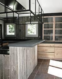 cuisines bois cuisine en chene a noeuds et bois de canada ambiance atelier