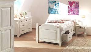 chambre bois blanc lit ceruse blanc awesome chambre bois blanc gallery matkin info