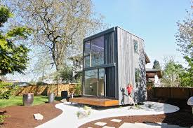 Tiny Homes In Oregon by Rotating Tiny House In Portland Soaks Up Sunshine All Day Long 359