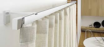bastoni tende moderne installazione binari da soffitto con bastoni per tende a