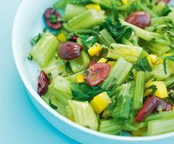 cuisiner celeri branche céleri branche à la vapeur avec olives healthy food