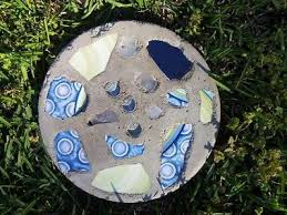 Garden Stone Craft - how to make a garden stepping stone garden stepping stones