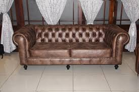 Chesterfield Sofa Showroom Classic Button Chesterfield Stylish Studded Sofa In