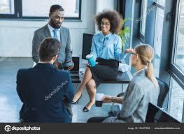 image pause café bureau vue angle élevé gens affaires multiculturelles ayant pause café