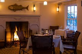 dining room restaurant weekapaug inn the restaurant