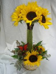 Centerpieces With Sunflowers by Thanksgiving Centerpiece Sunflower Centerpieces Sunflowers And