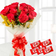 12 roses bunch 5 nestle kitkat flowersdeliverymanila com