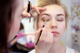 school for makeup artistry how to become a freelance makeup artist mua in california
