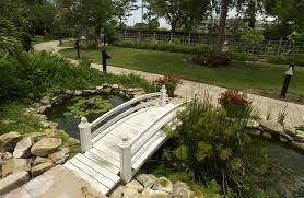 Small Courtyard Garden Design Ideas by Interesting Small Courtyard Garden Design With Symetrical Front