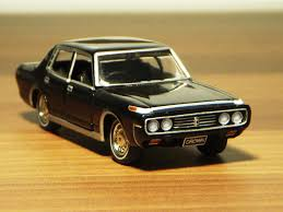 tomica toyota 1971 toyota crown super saloon ms60 1 65 diecast by tomica