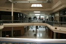 creepy photos of the old windsor park mall before rackspace bought