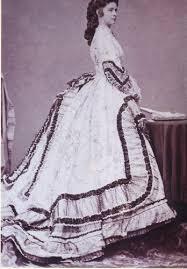 robe de mariã e sissi sissi en 1864 très robe ornée de volants et