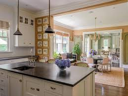 hamptons homes interiors the homes and kitchens of cookbook author katie lee a flippen life
