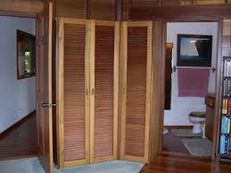 Exterior Wood Louvered Doors by How To Hang Louvered Interior Doors