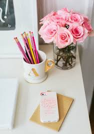Work Desk Decor Best 20 Desk Essentials Ideas On Pinterest Dorm Desk Decor
