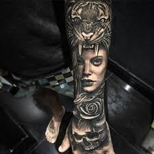 afbeeldingsresultaat voor realistic tiger tattoo half sleeve