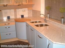 plaque granit cuisine marbre et granite cuisine idées de décoration capreol us