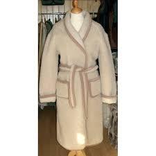 robe de chambre en des pyr s pour homme robe de chambre femme des pyrnes en stock cet hiver chic robe