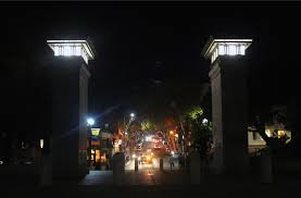 Northside Lighting Better With The Lights Off Campus By Night The Daily Californian