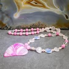 heart bead necklace images Pink heart pendant necklace pink necklace design making a jpg