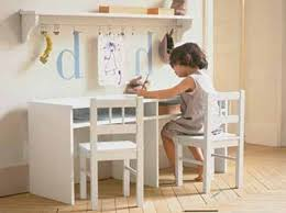 deco bureau enfant 12 idées déco pour une chambre d enfant décoration bureau