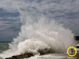 imagenes extraordinarias del mar un racista muere ahogado en el mar negro humor taringa