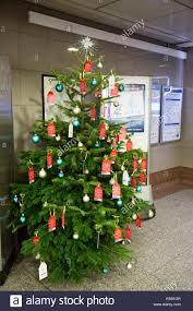 london uk 27 november 2014 christmas tree at angel tube station