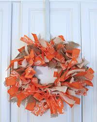 diy halloween wreath iuve got my eyes on this halloween wreath