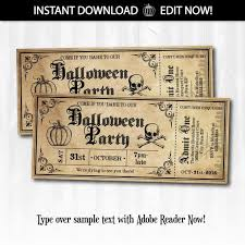 Halloween Themed Wedding Decor by Best 25 Halloween Party Invitations Ideas On Pinterest