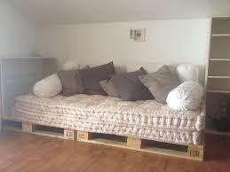 cuscini a materasso divano con bancali materassi di e cuscini ikea casa