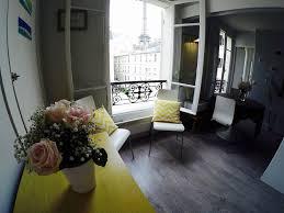 Bonjour Eiffel 5 Romantic Airbnb In Paris With Eiffel Tower Views