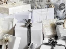 Banister Christmas Ideas 11 Youtube Videos To Watch For Christmas Decor Ideas Hgtv U0027s